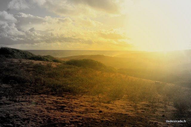 Lever de soleil - Sentier de La Pointe Doublée - Désirade 97127 Guadeloupe
