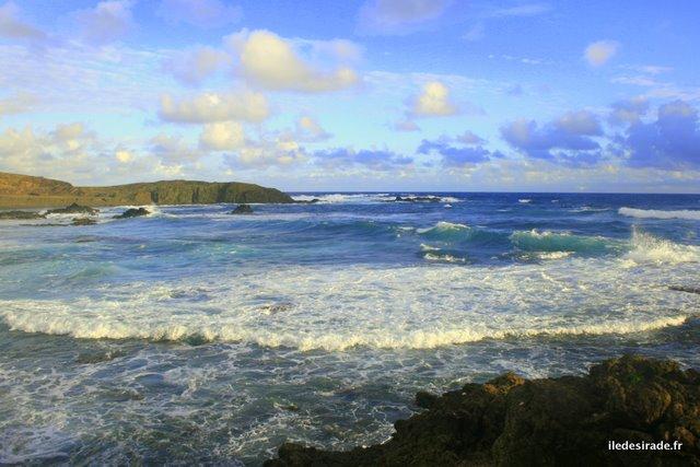 Mer et vagues - Sentier de La Pointe Doublée - Désirade 97127 Guadeloupe