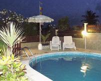 La piscine des gites Desirada
